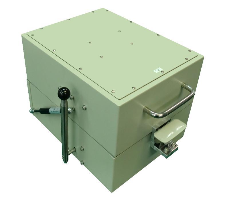シールドボックス・電波暗箱の製作事例_ハンドプレスハンドル一体型シールドボックス