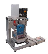 カテ―テルの屈曲耐久試験機