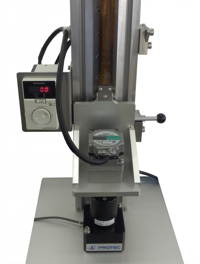 ダンパー・ヒンジトルク測定機の測定中の様子